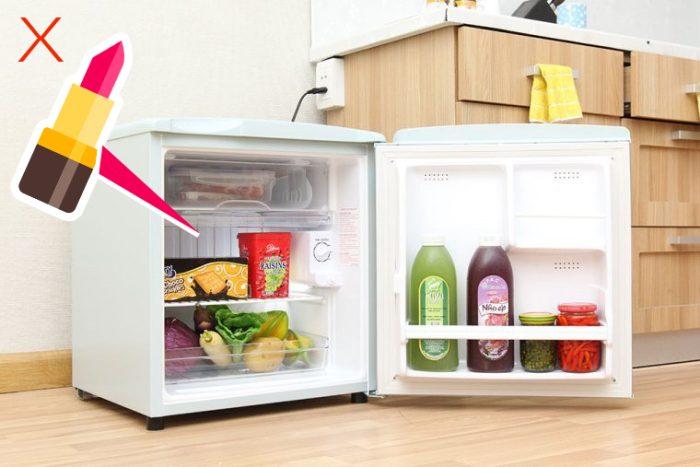 Không nên bảo quản son ở tủ lạnh khi son vừa chảy mồ hôi