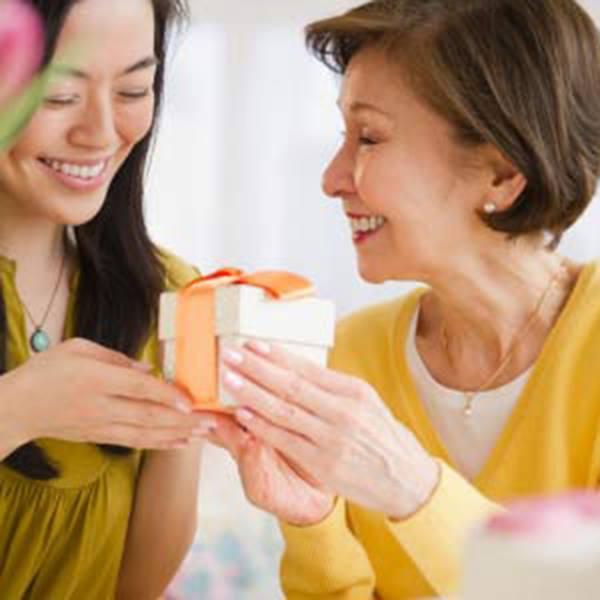 quà tết tặng mẹ ý nghĩa và độc đáo